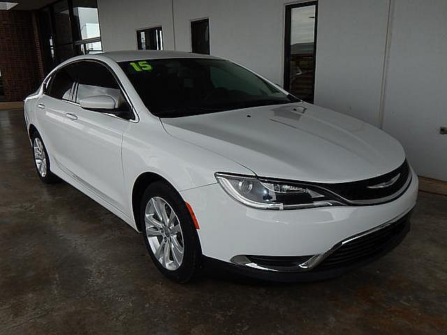 Pre-Owned 2015 Chrysler 200 Limited | BOB HOWARD DODGE 405-936-8900 | ALLOYS | BLUE TOOTH
