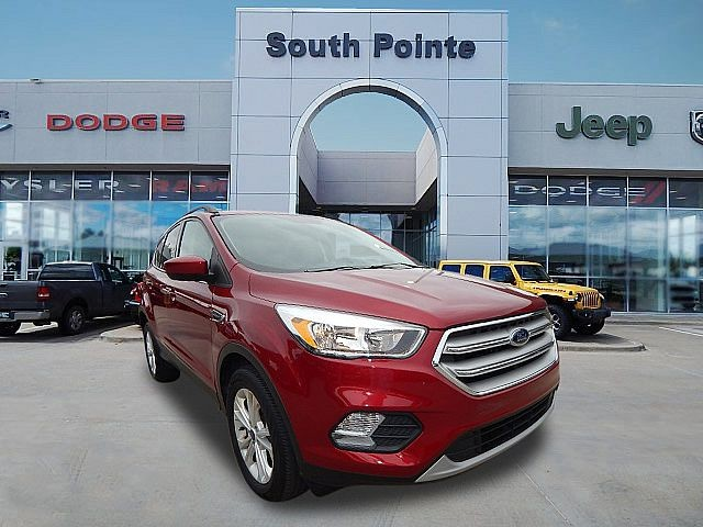 Pre-Owned 2018 Ford Escape SE | 4WD | CLEAN CARFAX | SOUTH POINTE CJD