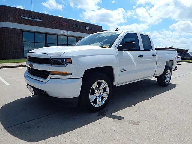 Pre-Owned 2018 Chevrolet Silverado 1500 Custom | BOB HOWARD DODGE 405-936-8900