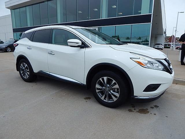 Pre-Owned 2017 Nissan Murano 2017.5 S**NAVIGATION AND BACK UP CAMERA!**
