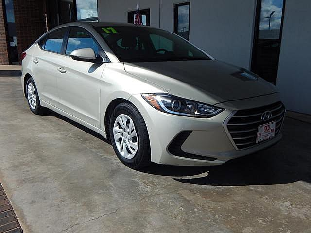 Pre-Owned 2017 Hyundai Elantra SE | BOB HOWARD DODGE 405-936-8900 | BACK UP CAMERA