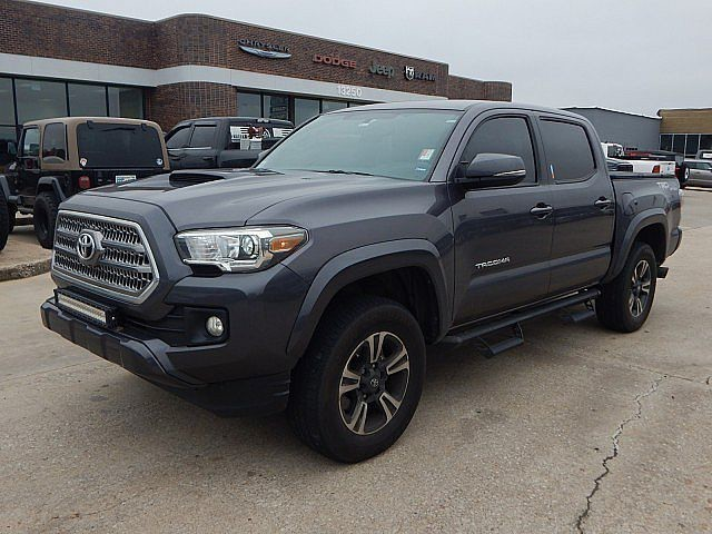 Pre-Owned 2017 Toyota Tacoma TRD Sport | BOB HOWARD DODGE 405-936-8900