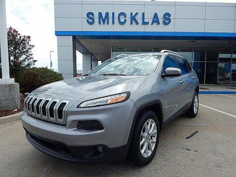 Pre-Owned 2016 Jeep Cherokee Latitude | 300 PER MTH..CALL US!!