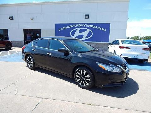Pre-Owned 2017 Nissan Altima SV 2.5