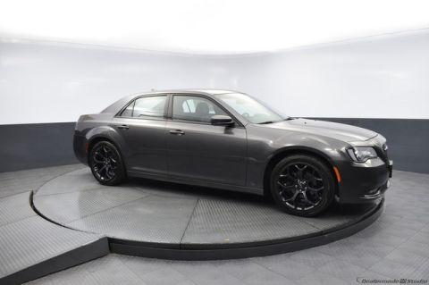 Pre-Owned 2019 Chrysler 300 300S {Bob Howard Honda} 405-753-8700