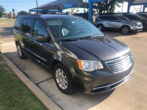 Pre-Owned 2016 Chrysler Town & Country Touring SP Honda 918-491-0100