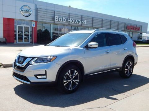 Pre-Owned 2017 Nissan Rogue SL| DUAL ROOF | LEATHER & HEATED SEATS | NAV |