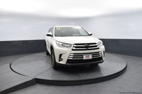 Pre-Owned 2017 Toyota Highlander XLE-CERTIFIED-CALL BOB HOWARD TOYOTA AT 405-936-8600!!!